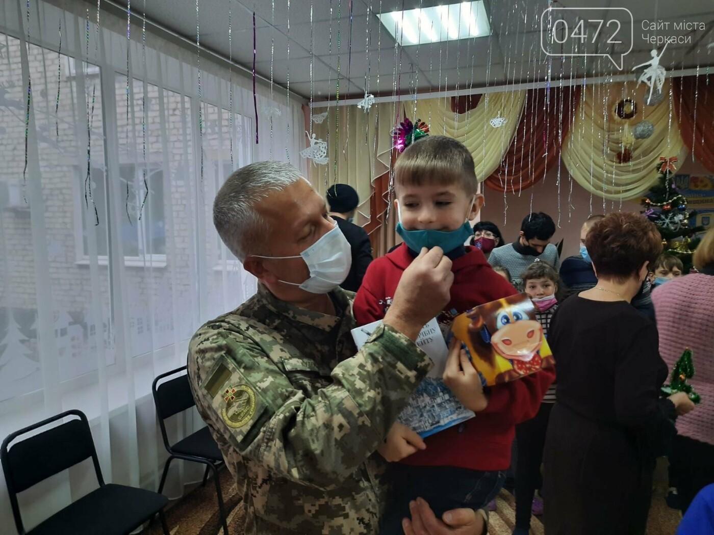 Святкове диво: «АТБ» допомагає тисячам українських родин потішити дитину в день Святого Миколая, фото-3