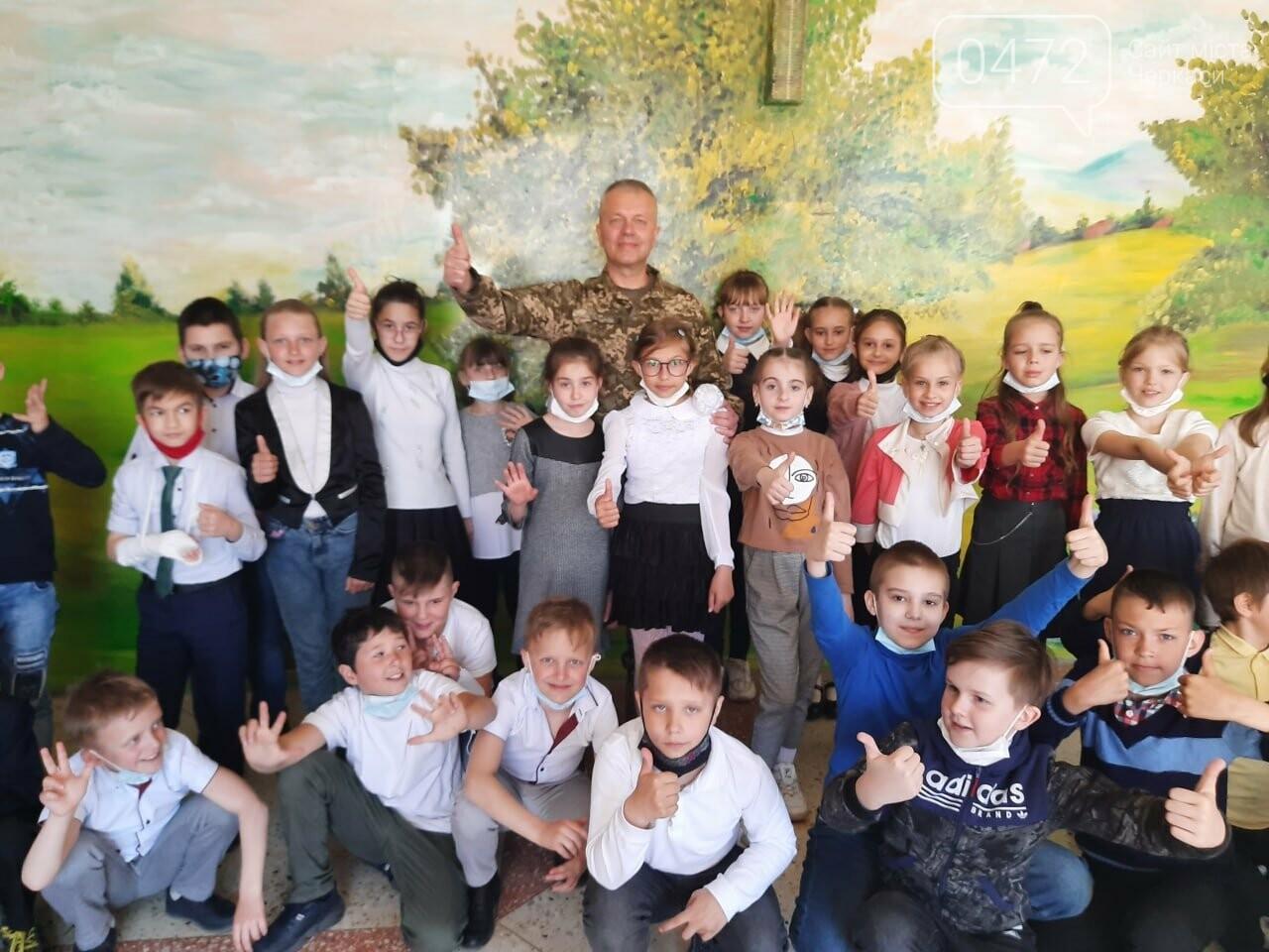 Більше ніж благодійність: «АТБ» передала три тисячі великодніх подарунків дітям із «сірої» зони Донбасу, фото-4