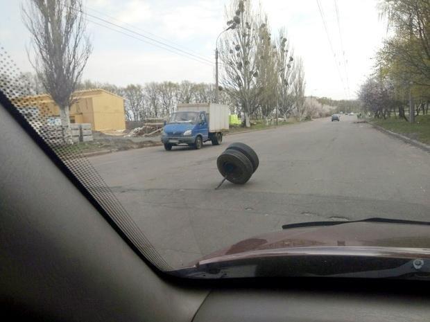 Наче пороблено: у Черкасах маршрутка на ходу погубила колеса (ФОТО), фото-1
