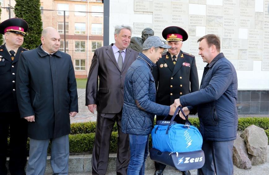 Черкаські рятівники, які торік узимку витягли з-під криги неповнолітніх, отримали нагорооди (ФОТО), фото-1