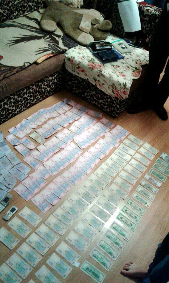 У Черкасах поліцейські затримали організовану групу наркодилерів (ФОТО, ВІДЕО), фото-3