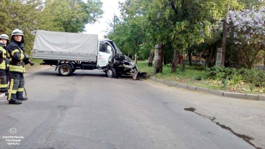 Авто, яке могло вибухнути на місці ДТП, черкаські патрульні евакуювали (ФОТО), фото-3