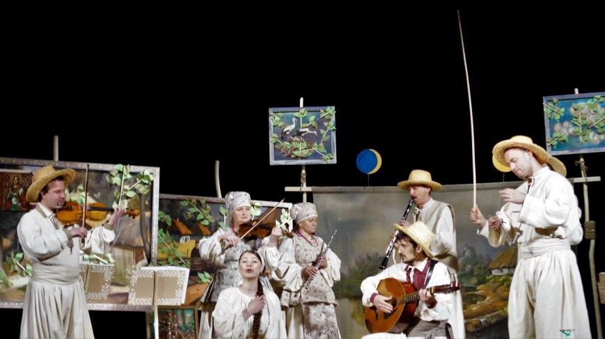 Актори Черкаського драмтеатру показали «нову» «Наталку Полтавку» (ФОТО), фото-4
