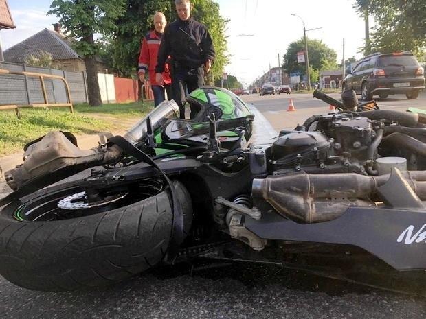 П'яний водій «ВАЗу» в Черкасах збив мотоцикліста, якому, можливо, ампутують ногу (ФОТО), фото-1