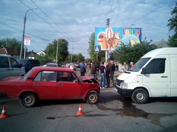 П'яний водій «ВАЗу» в Черкасах збив мотоцикліста, якому, можливо, ампутують ногу (ФОТО), фото-3