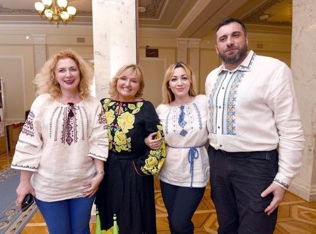 У Верховній Раді красувалися у вишиванках від черкаської майстрині (ФОТО), фото-3