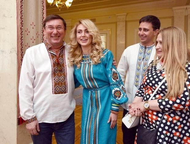 У Верховній Раді красувалися у вишиванках від черкаської майстрині (ФОТО), фото-4