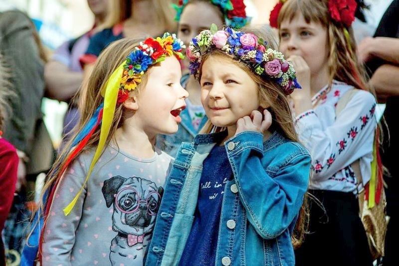 Диво-україночки та сучасні козачата зібралися на фестивалі «Барвисті віночки» (ФОТО), фото-3