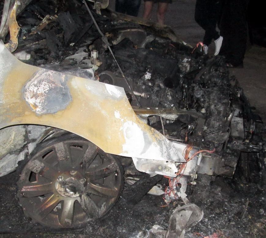 У Черкасах горіло й сміття, й автомобіль (ФОТО, ВІДЕО), фото-2