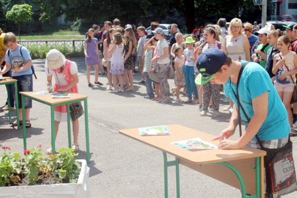 Французька компанія подарує черкаській школі компостер (ФОТО), фото-1