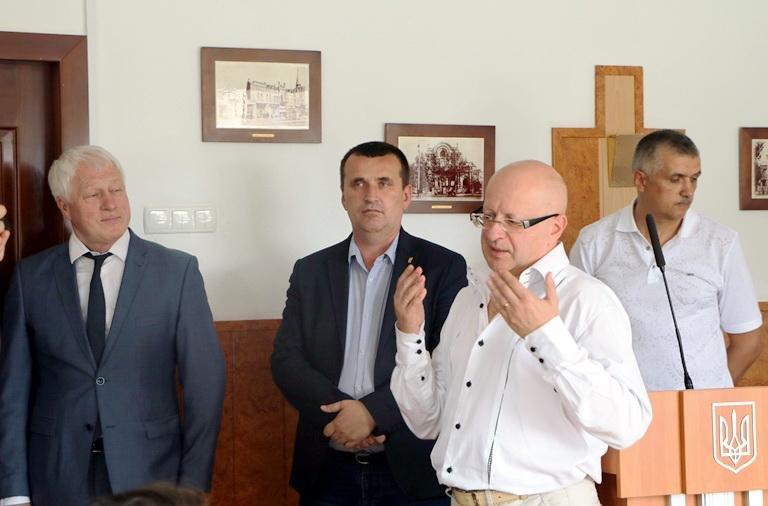 У черкаській мерії медиків вітали з професійним святом, фото-3