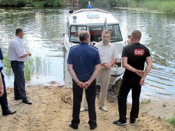 Важкохворих з лівого берега Дніпра транспортуватимуть до Черкас спецкатером (ФОТО), фото-1