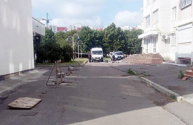 Жінка  в Черкасах вистрибнула з балкону квартири під час бійки, фото-1