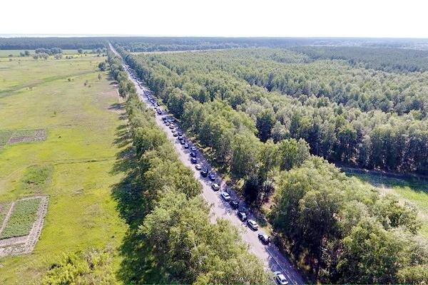 Учора перед черкаською дамбою утворився затор на 30 кілометрів (ФОТО), фото-1