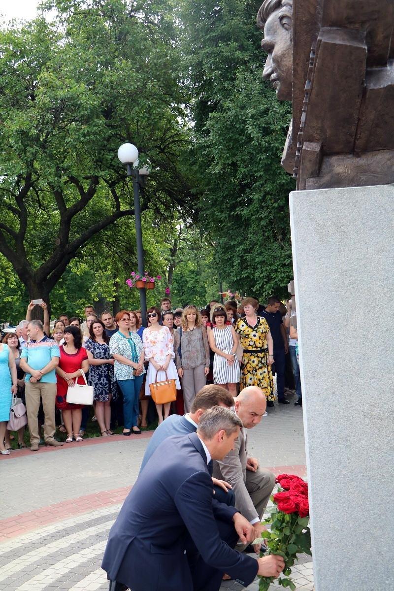 У Черкасах відкрили погруддя «батькові української Конституції» Михайлові Сироті (ФОТО), фото-3