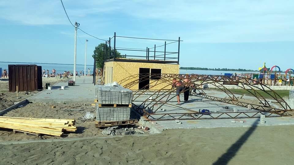 На «Пушкінському» пляжі виростає незаконна споруда (ФОТО), фото-1