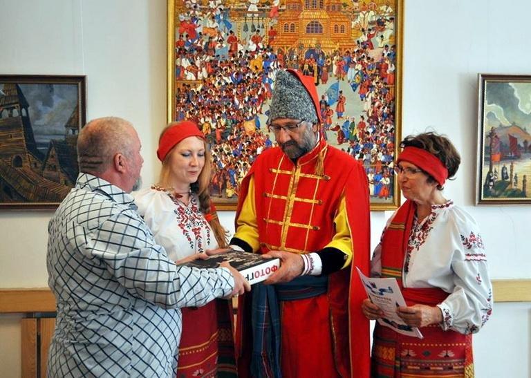 Французького фотографа та його дружину в Черкасах посвятили у козаки (ФОТО), фото-2
