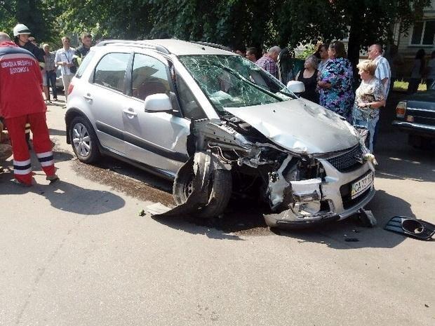 Літня водійка вчинила масштабну ДТП у середмісті Черкас: загинула жінка, є травмовані (ФОТО), фото-2