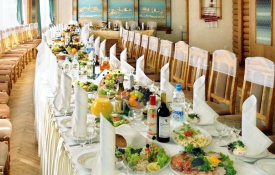 """Весілля, як по """"телику"""": навіть скромна церемонія у Черкасах обійдеться 100 тисяч гривень, фото-1"""