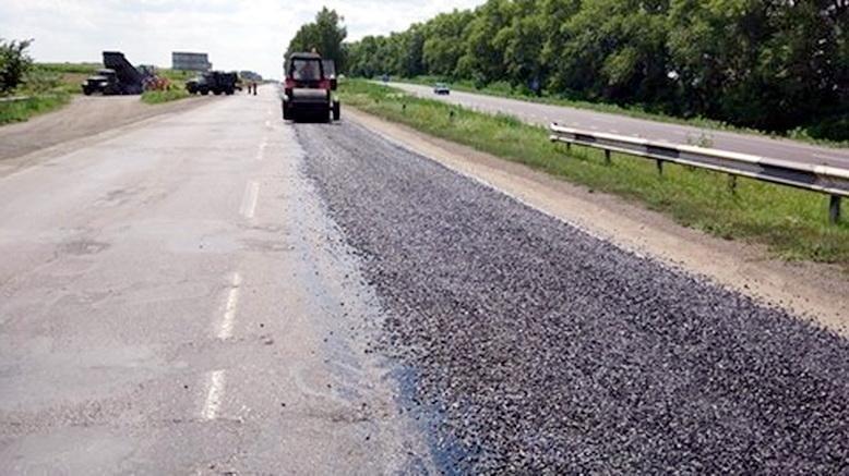 Як поводять себе «олені» на автодорозі Черкаси–Сміла, де тривають ремонтні роботи, фото-1