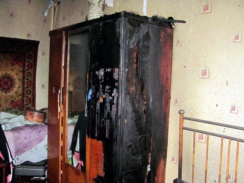 У Черкасах син підпалив матері хату (ФОТО, ВІДЕО), фото-1