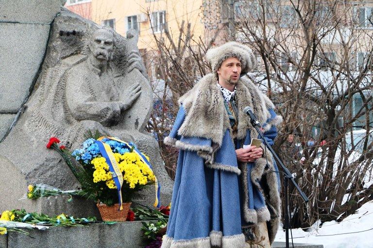 Просто неба: в центрі Черкас читали вірші Тараса Шевченка, фото-4