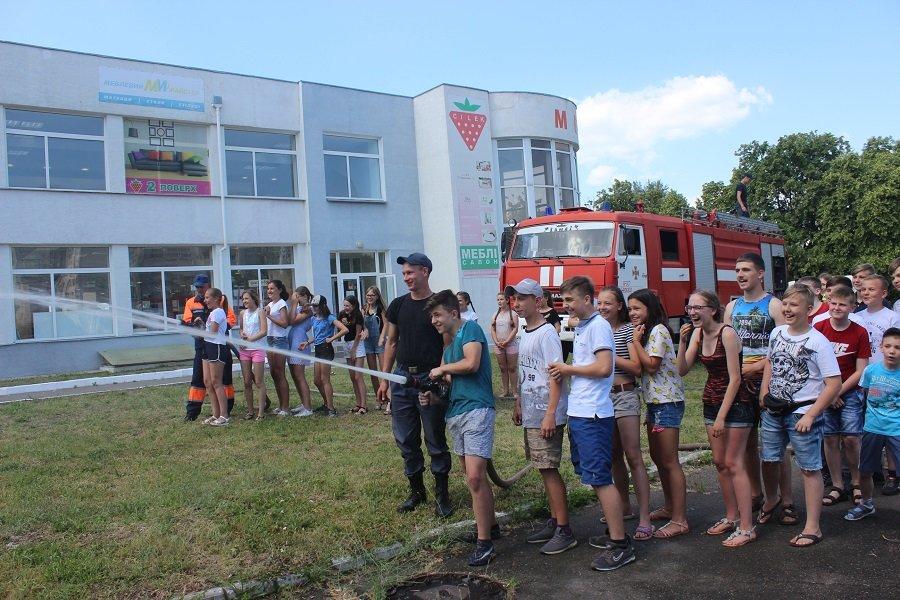 Черкаські рятувальники подарували дітям свято, фото-1