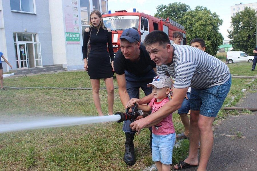 Черкаські рятувальники подарували дітям свято, фото-2