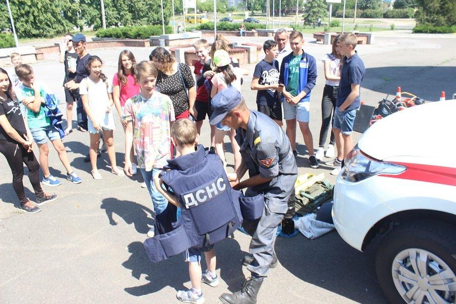 Черкаські рятувальники подарували дітям свято, фото-3