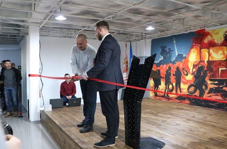 Пам'яті героя: Ambros hub відкрився у Черкасах, фото-3